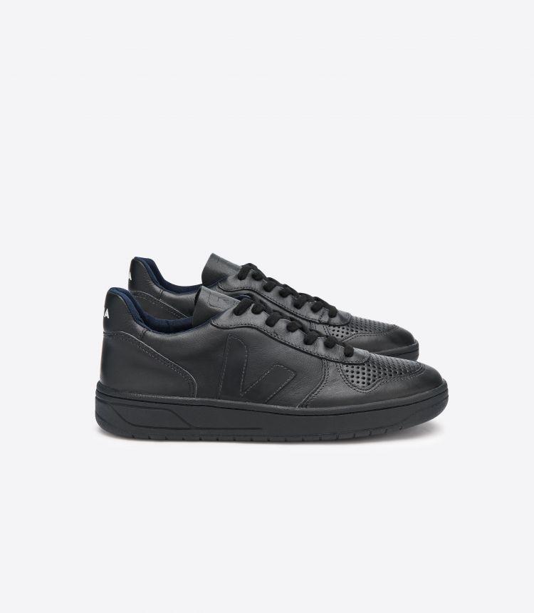 V-10 BLACK BLACK SOLE