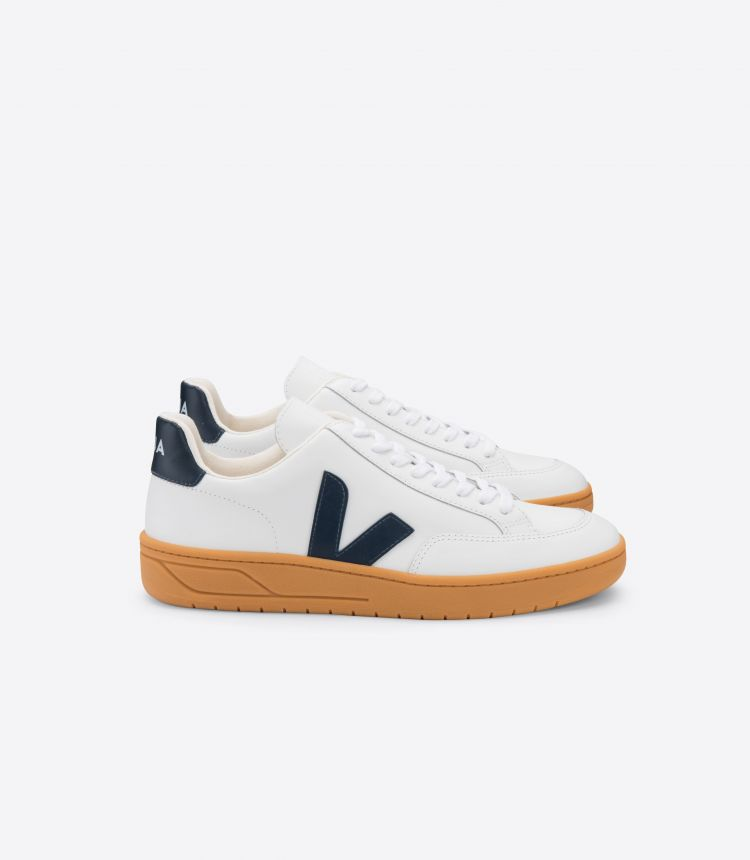 V-12 LEATHER WHITE NAUTICO GUM SOLE